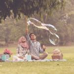 Subhanallah, Ternyata Pahala Mengajak Istri Jalan-Jalan Lebih Baik Daripada I'Tikaf di Masjid Sebulan